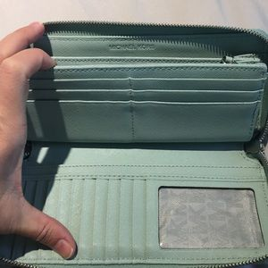 MK travel wallet perfect condition jet setter
